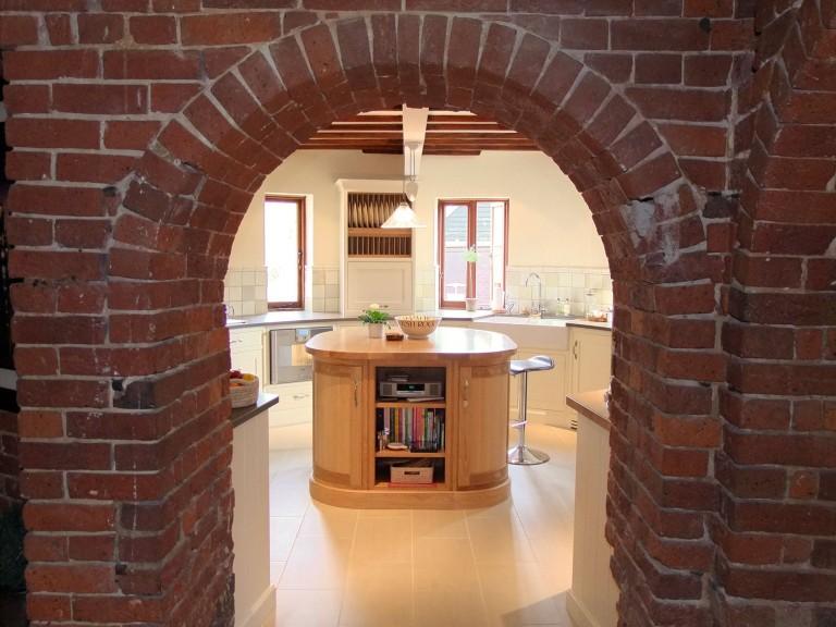 oast house kitchen.jpg