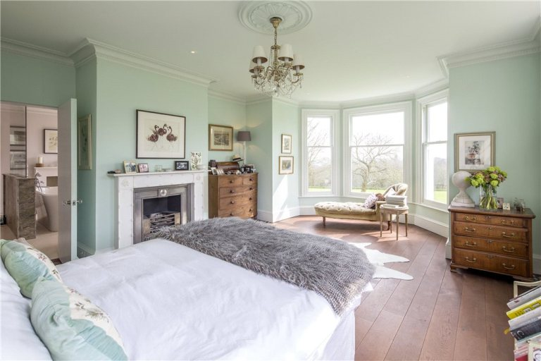 Berkshire bedroom